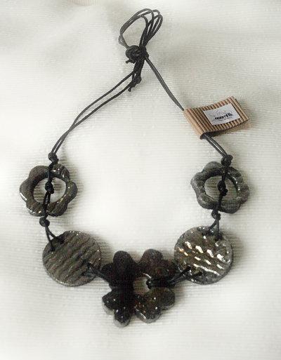 Collana fiori raku