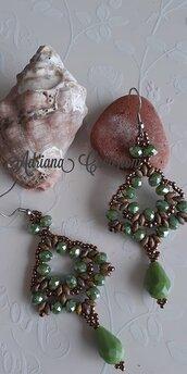 Orecchini Rondine realizzati in tessitura peyote