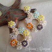 Orecchini Flores realizzati in tessitura peyote