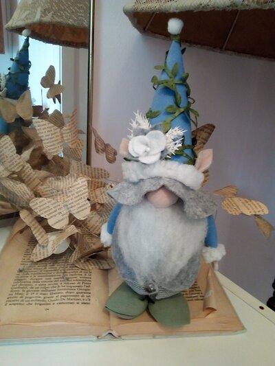 GNOMO cappello blu pervinca