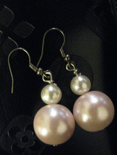Elegantissimi orecchini a due perle