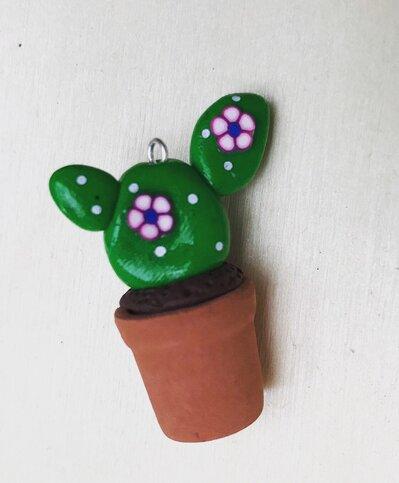 Ciondolo con cactus in fimo