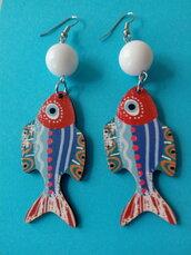 Orecchini pesci in legno e agata bianca