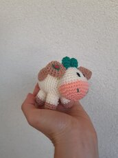 Mucca all'uncinetto amigurumi