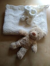 Completo Battesimo copertina e scarpine neonato ai ferri  corredino nascita  lana bianca