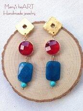 Orecchini pendenti con perni in zama, pietre dure e cristalli