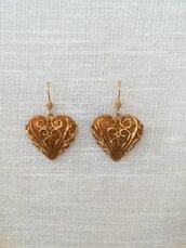 Orecchini cuore realizzati a mano in resina