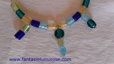 girocollo perle di vetro azzurro