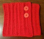Scaldacollo  Rosso LUCE, Artigianale, ad uncinetto, in Lanamorbidissimo e caldo, con chiusura ad asole con due bottoni rossi