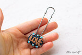 brooch with love script in polymer clay fimo, Polymer clay, kawaii, PROMOZIONE