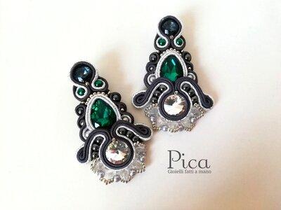 Orecchini Eleganti con goccia verde smeraldo