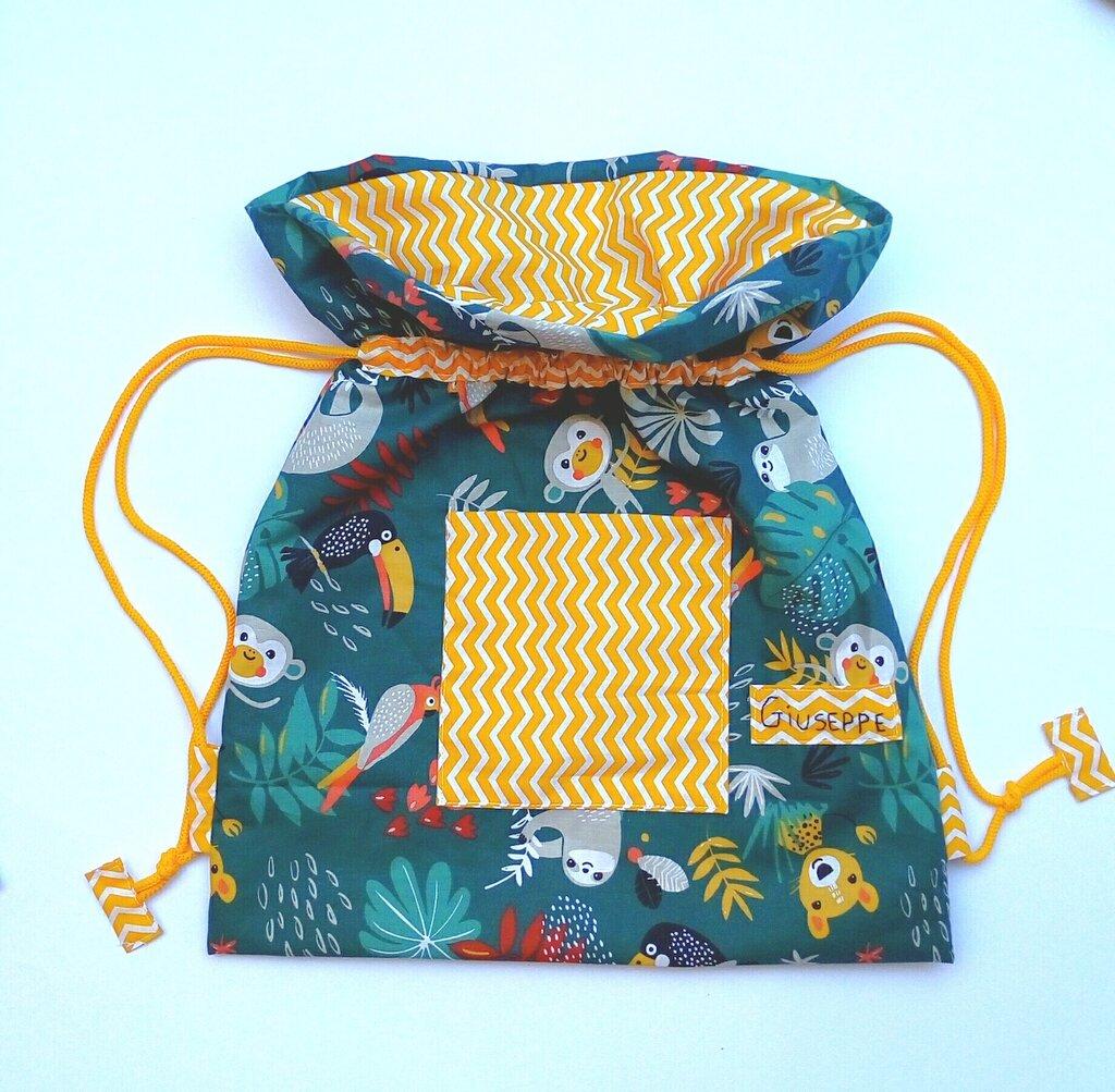 Sacca  e cappellino (per scuola materna o nido )rientro a scuola