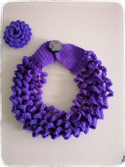Girocollo lana viola multifilo motivo ad onde