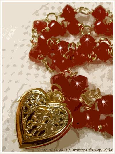Collana n.023 pietre di Rubino e medaglione a cuore