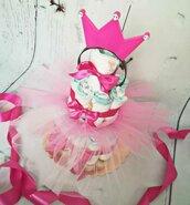 Torta pannolini con tulle fatta a mano a tema principessa