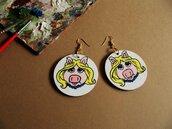 Orecchini MISS PIGGY. Orecchini in legno dipinti a mano. Miss Piggy. Muppets Show. Orecchini idea regalo compleanno. Regalo unico.