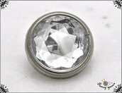 5 bottoni con strass colore cristallo mm. 13, base in metallo colore argento, attaccatura con gambo