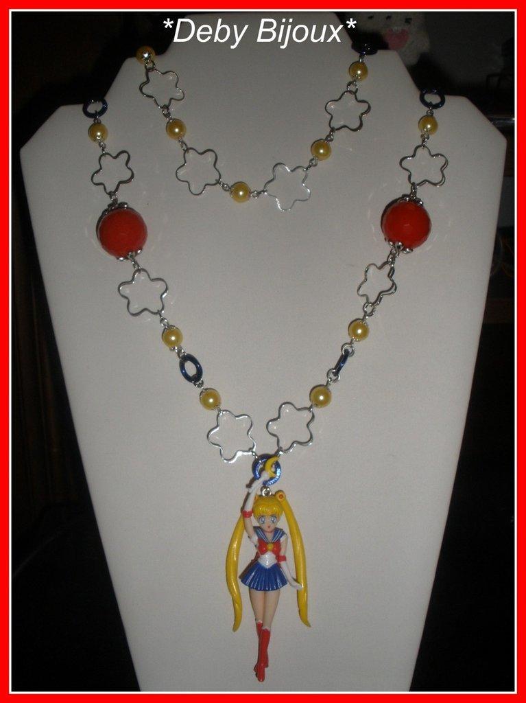 Collana con perle e parti di catena e ciondolo sailor moon