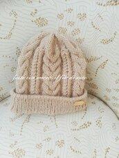 Cappello con intrecci in lana alpaca