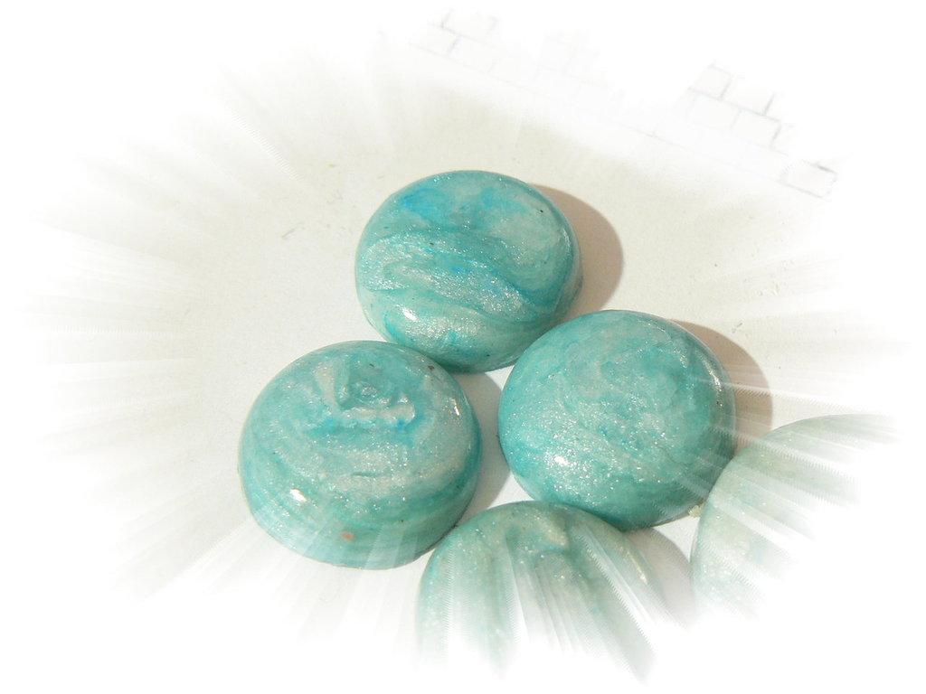 Cabochon fimo verde pearl