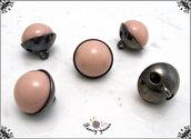 5 bottoni  sferici mm.17, base in metallo colore canna di fucile, sfera in nylon rosa, attaccatura con gambo