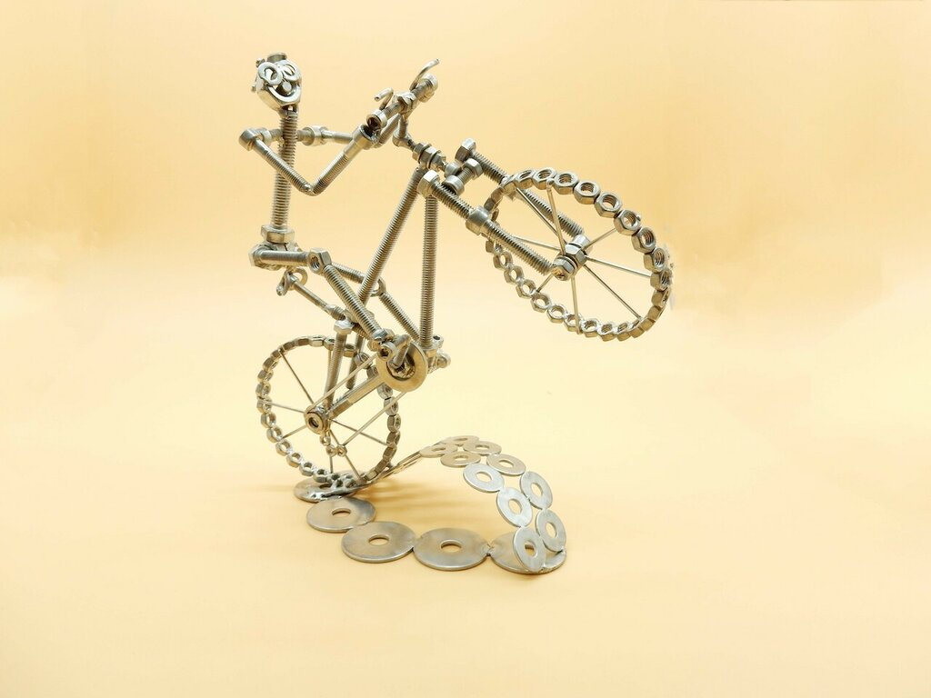 mountain bike Metal sculpture,bici cross,scultura bicycle ,bici arte,riciclo,scultura bici mountain bike,regalo ciclista,regalo  bike