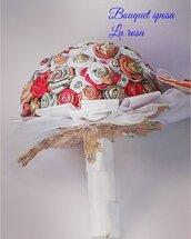 Bouquet da sposa originale in tessuto pregiato.