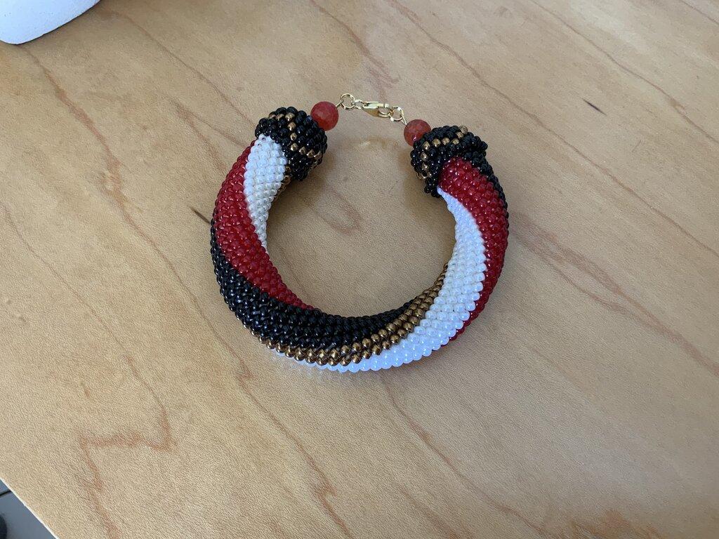 Bracciale tubolare semirigido rosso, nero, bianco e bronzo. crochet - argento 925 - mod. Nadia