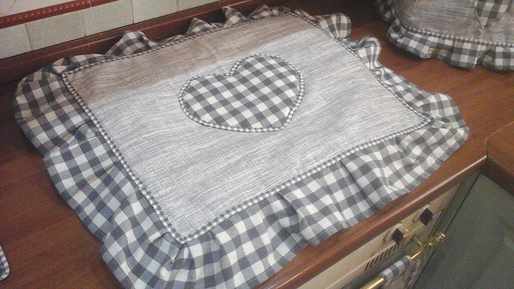 Coprifornelli in grigio per cucina con 4 fuochi,  linea Basic in grigio