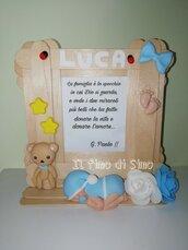 Cornice in legno con decorazioni in pasta polimerica neonato nascita  e frase