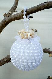 Pallina di natale con perle