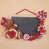 Lavagna decorata con ginger e dolcetti di feltro