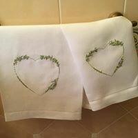 asciugami di lino con fine ricamo a mano