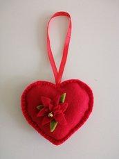 Cuore feltro rosso con stella di Natale