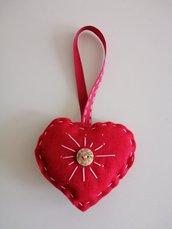 Cuore feltro rosso con bottone