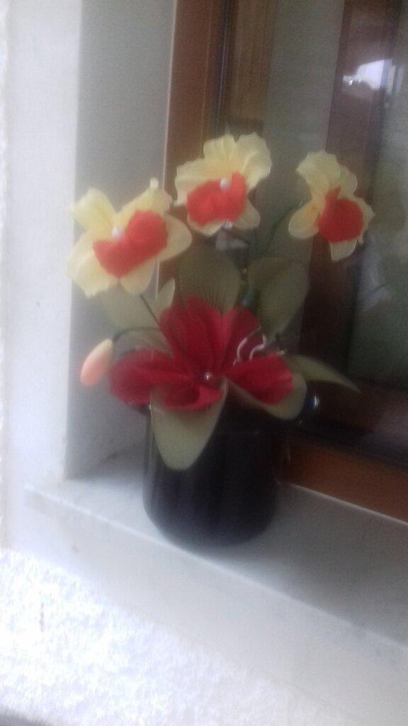 Pianta d'Orchidea  gialla e rossa in tessuto fatta interamente a mano