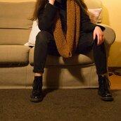 Sciarpa in lana ai ferri color ruggine