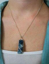 Collana corta in argento 925 con pietra dura cianite azzurra fatta a mano