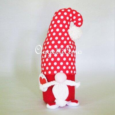 Uno gnomo del nord fatto a mano come fermaporta: un'idea regalo originale e personalizzabile per il tuo Natale