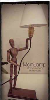 Lampada manichino legno