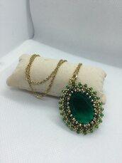 Pendente cabochon 30x22mm Special Cut Emerald incastonato a mano
