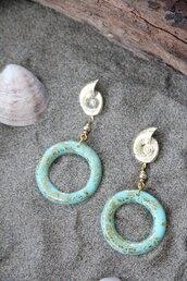 orecchini pendenti a conchiglia in fimo color verde menta/acqua e foglia oro _010_