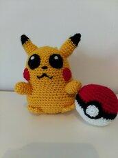 Pokemon Pikachu e pokeball amigurumi