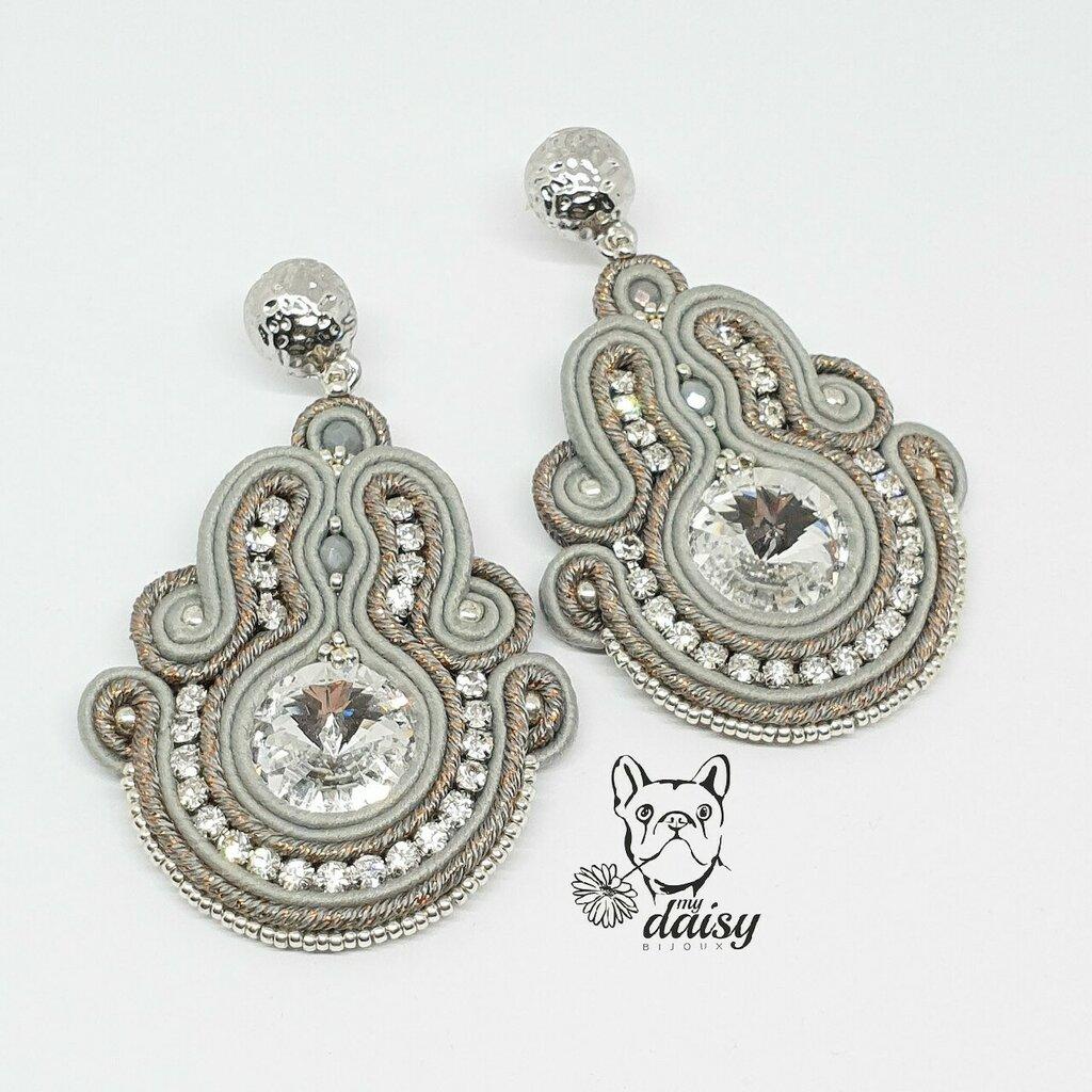 Orecchini soutache pendenti sui toni del grigio ed argento con swarovski e catena strass di cristallo