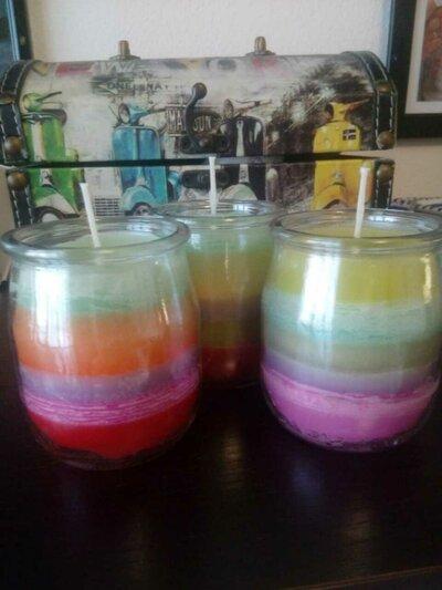 Candele colorate profumate