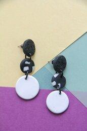 orecchini pendenti in fimo geometrici bianco e nero a fantasia _019