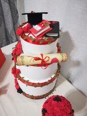 Torta scenografica Laurea Rose rosso nero Tocco Torte feste Personalizzabile