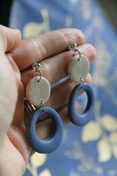 orecchini in fimo pendenti geometrici color indaco e granito beige  _038_
