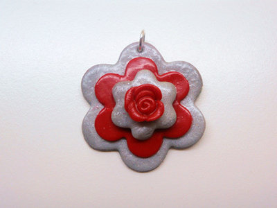 "CIONDOLO IN FIMO ""GREY RED ROSE"""
