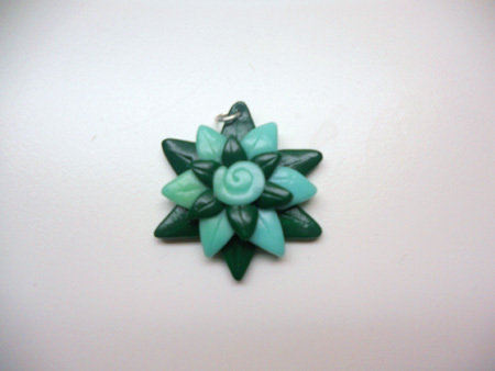 "CIONDOLO IN FIMO ""GREEN NINPHEA"""